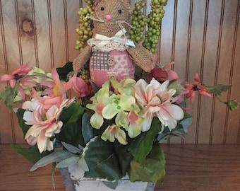 Spring floral arrangement, Easter floral arrangement
