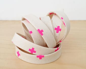"Bias Tape in Cotton + Steel Basics XOXO 1/2"" double-fold bias tape- Neon Flamingo pink crosses- 3 yard roll"