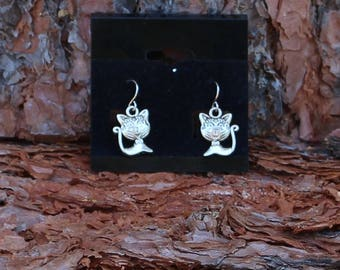 Cat Earrings, Kitty Cats, Kitties, Cats With Bow, Cat Lover, Charms, Pet, Pet Lover,  Animal Lover, Animal, Silver Tone, Meow, Cute Kitties