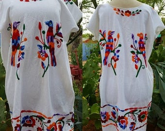 SUMMER SALE Mexican Hand Embroidered Cotton Gauze Bata / Peasant Dress Size L/Xl