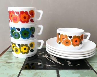 Vintage Arcopal Lotus Cups & Saucers Coffee Cups Retro Orange / Red Floral Pattern 70's French Pyrex Kitchenware