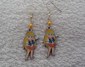 Sailor venus earring