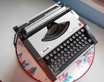 Vintage Grey Beautiful Manual Typewriter Olivetti Tropical in good  condition. 1970s.