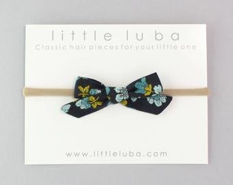 newborn bow headband, baby headband, baby bow Headband, Baby girl headband, newborn headband, Baby Bow Headband. NAVY FLORAL Schoolgirl Bow