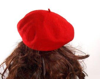 Red wool beret, vintage beret, cherry red beret, wool cap, red wool hat, pure wool hat, vintage red hat, felted wool hat