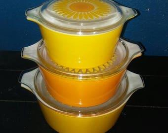 Vintage Pyrex Daisy citrus Cinderella Casserole Dishes w/ Lids, 473 474 475 EUC
