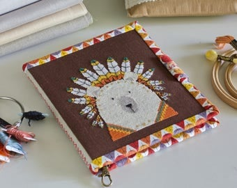 Handmade Needles-And-Tools Organizer for cross stitcher / needlebook / embroidered organizer