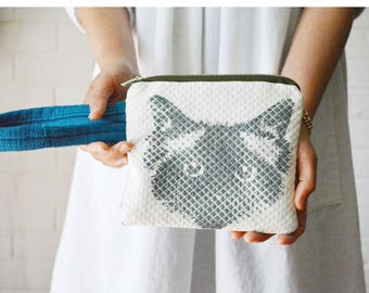 Ragdoll Birman Pickle Cat Face Hand-printed Pumice Blue Wrist strap Zipper Pouch