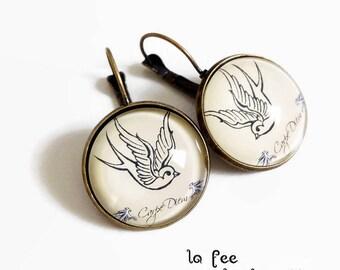 Stud Earrings * tattoo style swallow * bird carpe diem beige black, glass cabochon