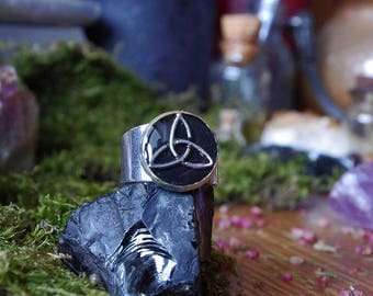Triquetra ring Witch ring wiccan ring black ring witch jewelry triquetra magic ring gotic ring viking viking ring wiccan jewelry celtic ring