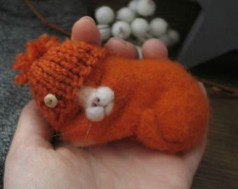 Orange cat hat brooch needle felting
