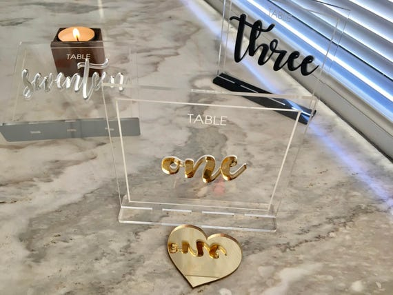 Clear Acrylic Script Table Numbers with Base Wedding sign Laser cut 3D Elegant Modern Bridal Party Decor Elegant Engraved Unique Calligraphy