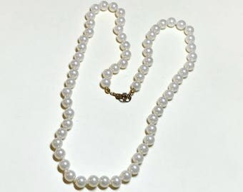 Vintage glass faux pearl necklace from WLIND, 22 inch, single strand necklace, indvidually knotted, creamy glass pearls, 1980s