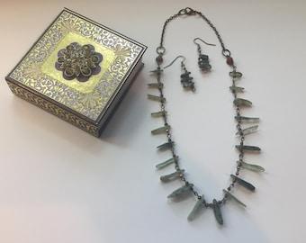 Labradorite slivered chip gemstone necklace set