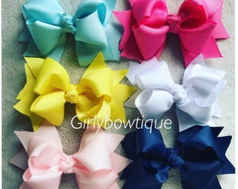 Stacked bow clips