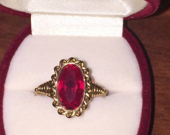 14K Rose Gold Russian Vintage Ring. Soviet Union, circa 1970's.