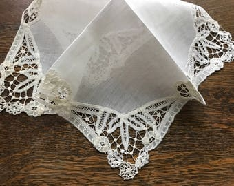 French Vintage~From Paris~Antique/Early Victorian/Edwardian Hanky~Fine Linen Center~Multi Lace Corners/Edge~Needle Art~Off White~H. Made