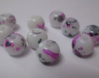 10 white speckled black and pink glass beads 8mm (H-15)