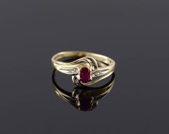 10k 0.28 CTW Ruby Diamond Bypass Ring Gold