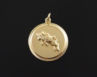 9k Taurus Bull Financial Cow Circle 1960's Charm/Pendant Gold