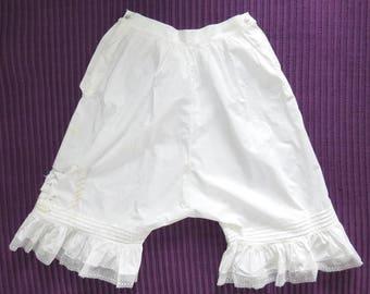 "1910-20s White Cotton Bloomers — 26"" waist"