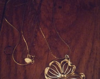 Vintage Avon Gold Tone Flower Necklace