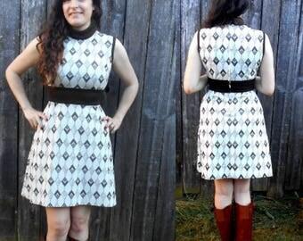 Vintage 70's mod dress / Vintage sleeveless brown dress w/ empire waist dress / Boho chic retro dress