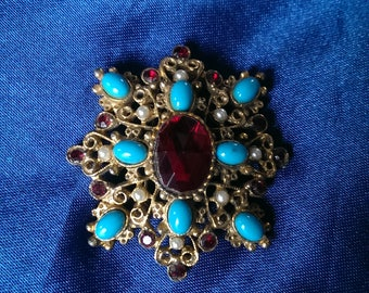 Retro costume brooch