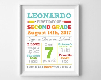 First Day of School, Whiteboard Poster Sign, 1st Day of School Sign, Digital Printable, Back to School, Personalized, Any Grade Elementary