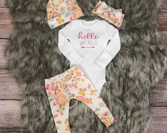 Newborn baby outfit / baby girl outfit / floral baby outfit / Newborn Hello World Outfit/ Hospital Outfit/ Take Home Outfit