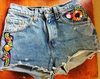 Floral patch denim booty shorts