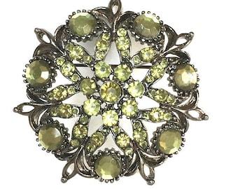 Green rhinestone starburst brooch vintage floral stone pin round cluster