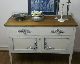 SOLD NOW !!!!!Antique/ Vintage. Shabby Chic Mahogany Sideboard