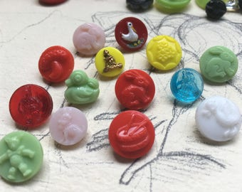 Children buttons: 14 vintage - colourful glass buttons for kids - old collector / glass buttons
