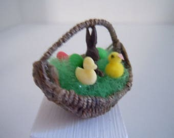 Miniature Easter Basket ~ Chocolate Rabbit ~ Candy ~ Artisan ~ Vintage ~ Easter Basket ~ Miniature ~ Fairy garden ~ Dollhouse ~ Accessories