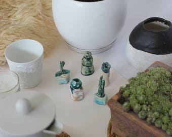 CACTUS FIGURINES SET