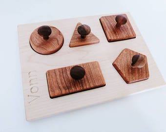 Personalized shape puzzle - knobbed shape puzzle - toddler toy - Montessori toy - Waldorf toy