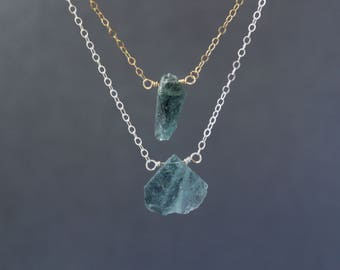 Raw Moss Aquamarine Necklace, Aquamarine Rough Necklace, Gemstone Bar Necklace, Aquamarine Choker, Ombre Aquamarine, March Birthstone
