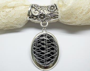 Scarf Accent Ring With Bobbin Lace Pendant: Silver Metallic