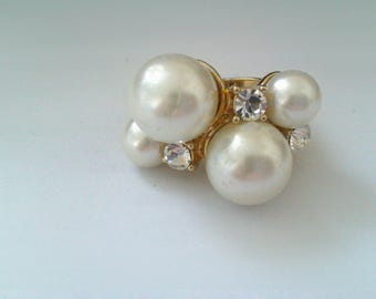 gold coloured faux pearl and clear stone dress ring