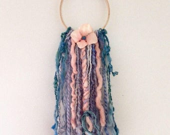 Art yarn wall hanging - Hand spun - hand dyed - art yarn - boho -  wall decor - recycled sari silk ribon - artificial flower - wooden hoop