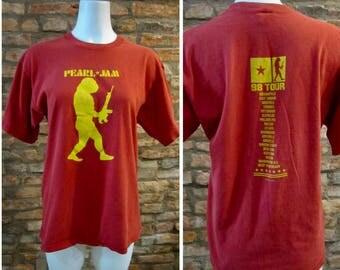 Vintage T-Shirt • 90s Pearl Jam Shirt • Medium Pearl Jam Tour 1998 • Eddie Vedder 90s Rock Band Tee • Vintage Pearl Jam Yield Tour T Shirt