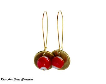Red and white glass bead earrings on doremeuse