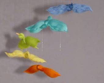 Merino Wool mobile: 7 Rainbow birds