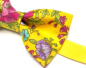 Yellow Floral Bowtie, Floral Bow tie, Bright Floral Bowtie, Mens Accessory, Mens Bow ties, Bow tie with Flowers, Floral Bowtie