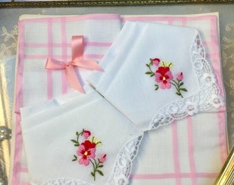 Oh So Pretty Set of Three Lace Edged Vintage Cotton Handkerchiefs