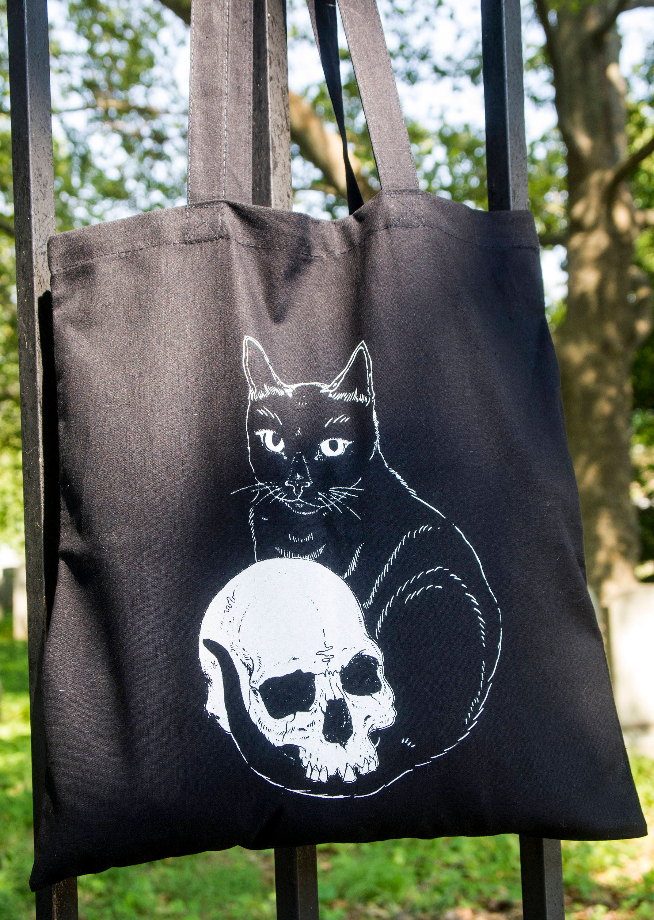 Embracing Death - Tote