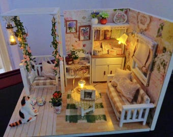 Miniature Dolls House/Diorama/Roombox/Dollhouse/Miniature