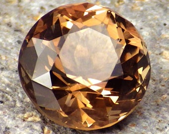 Copper-Peachy Oregon Sunstone 5.04 Ct Flawless-Perfect Faceting-For Top Jewelry-Video!