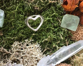 Pure silver heart ring